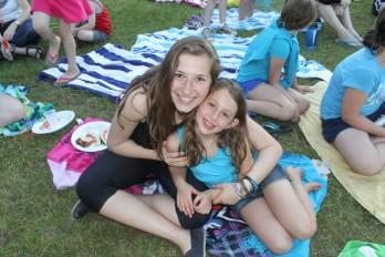 picnic-girls
